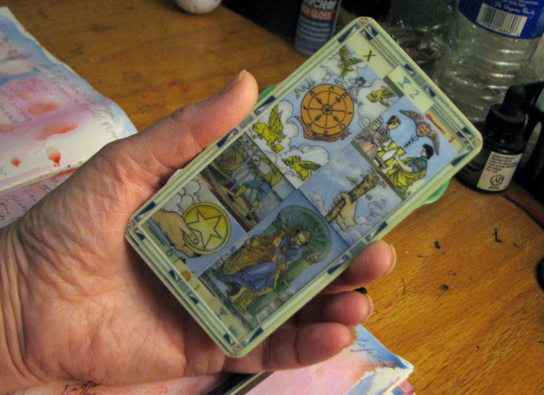 1-9-17-transparent-universal-tarot-grouping-in-hand