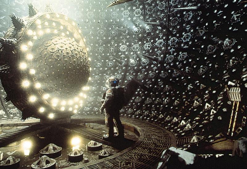 Новейшие научные разработки позволяют не только перемещаться со скоростью, превышающей скорость света, попутно схлопывая пространство, но и заглядывать в глаза первородному хаосу. Варп-сторонники были бы в восторге!