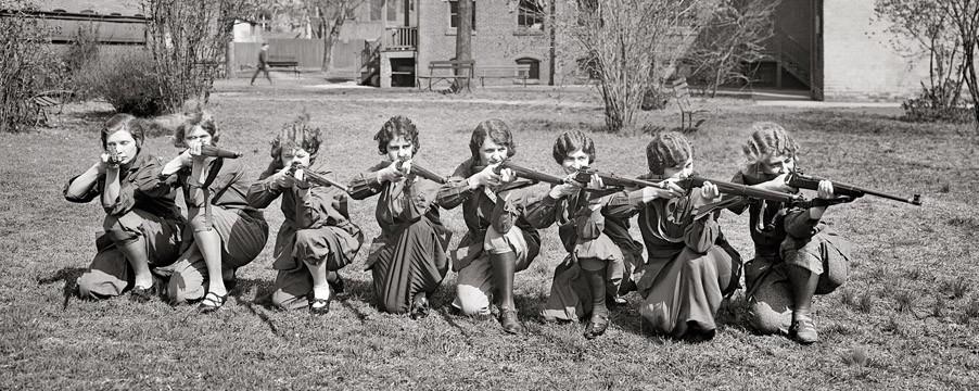 1925-University-of-Maryland-girls-rifle-team-courtesy-shorpy.com_