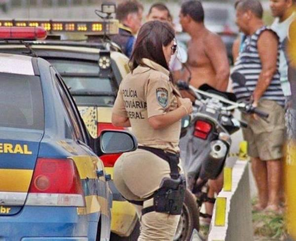 A Police Woman With A Big Ass (1)