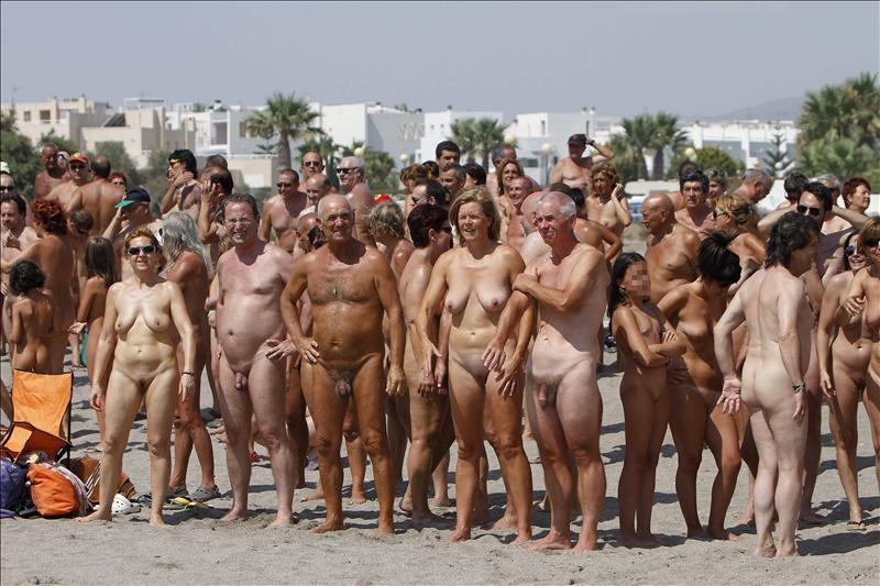 мир голых людей фото