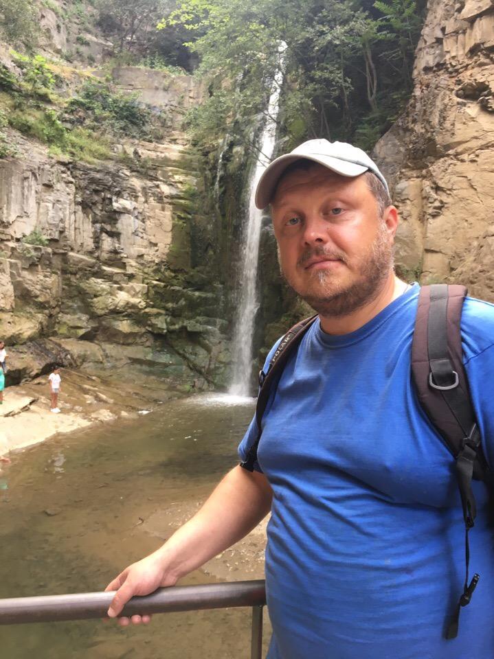 Водопад сквера Алиева.