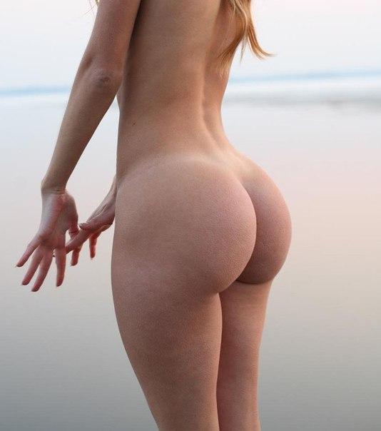 Пухленькие голые попки фото