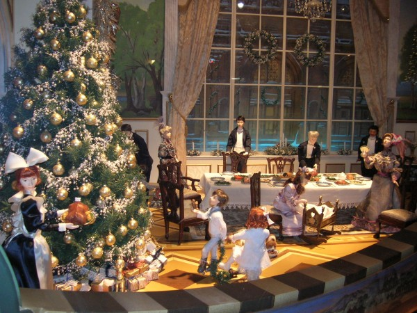Lord & Taylor Window 4