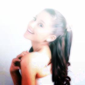 Ariana-Grande-The-Way-Ft-Mac-Miller-Video