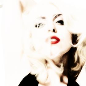 Lady-Gaga-Kenneth-Willardt-Photoshoot-2010-for-Cosmopolitan-Photo-13