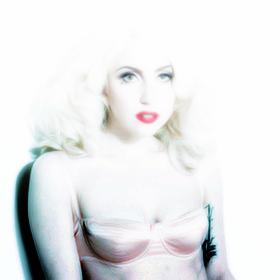 Lady-Gaga-Kenneth-Willardt-Photoshoot-2010-for-Cosmopolitan-Photo-40