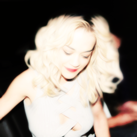 rita-ora-parties-nightclub-132