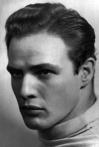 ак.Brando