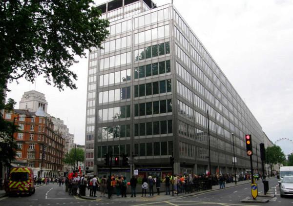 London. Scotland Yard 3