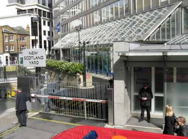 London. Scotland Yard 2