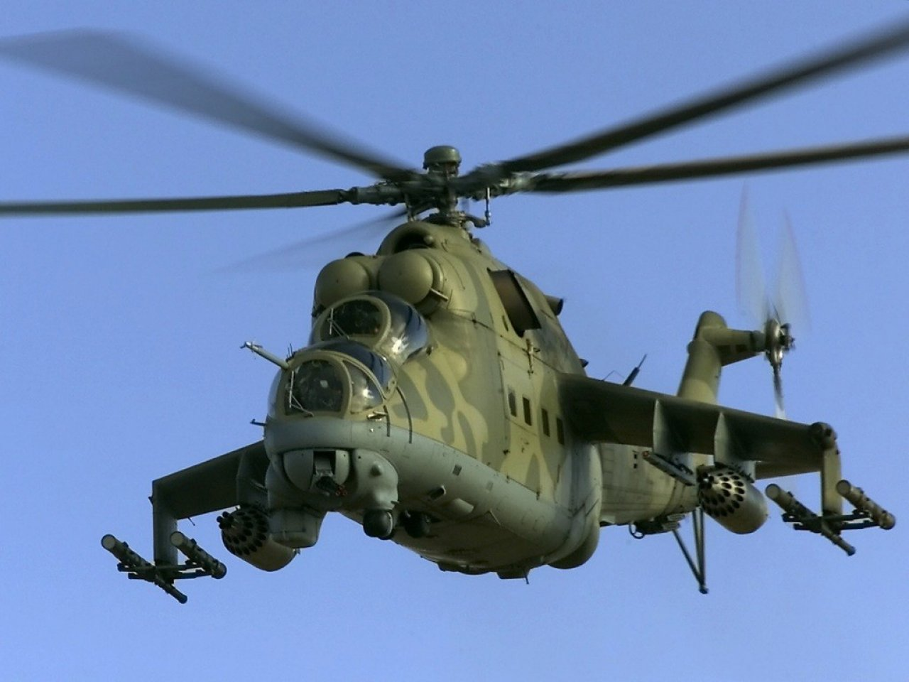 mi-24_hind_military_aviation_helicopter