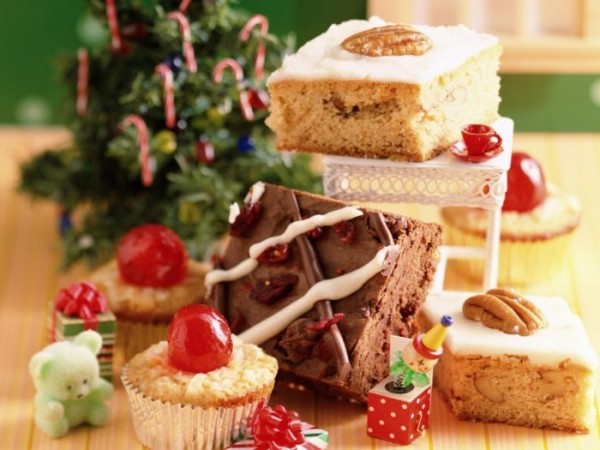1267807138_1267726369_cake-baking-accessories-1024x768