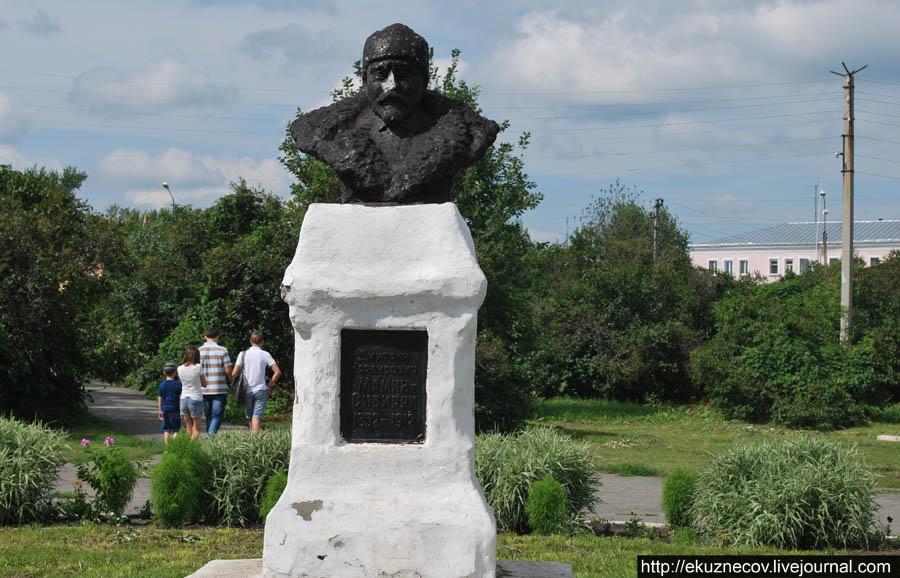 Ирбит. Памятник Мамину-Сибиряку