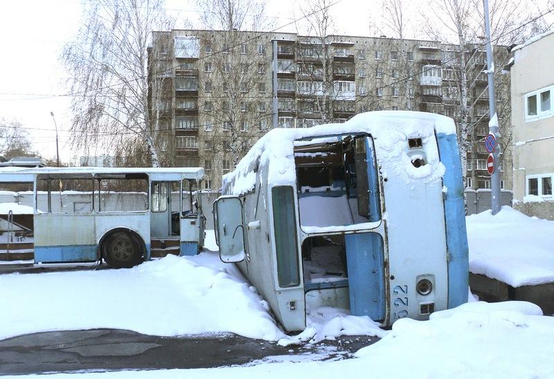 Списанные троллейбусы в Орджоникидзевском депо