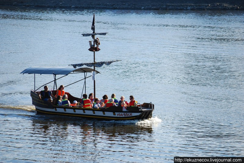 Екатеринбург. Лодка на городском пруду