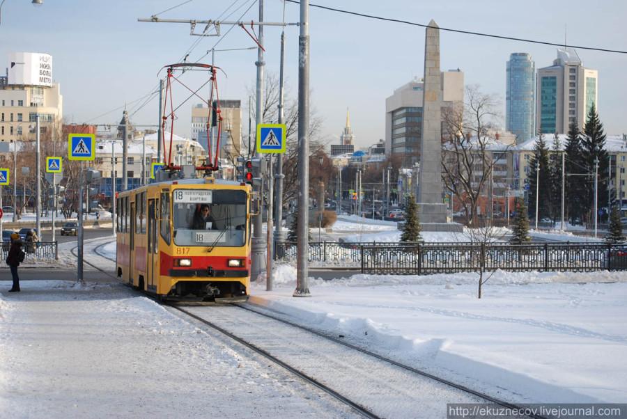 Трамвай 18 маршрута на новой линии по улице Татищева в Екатеринбурге