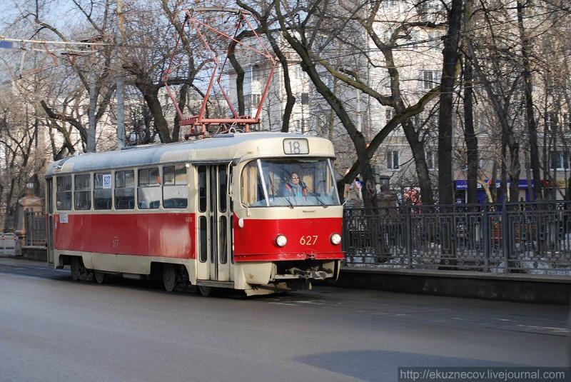 Трамвай 18 маршрута на проспекте Ленина