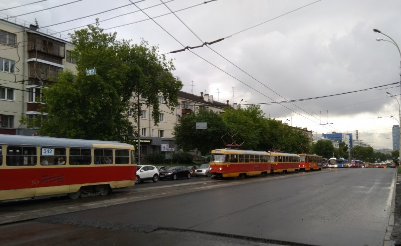 Трамвайный затор на Малышева между Гагарина и Мира в Екатеринбурге