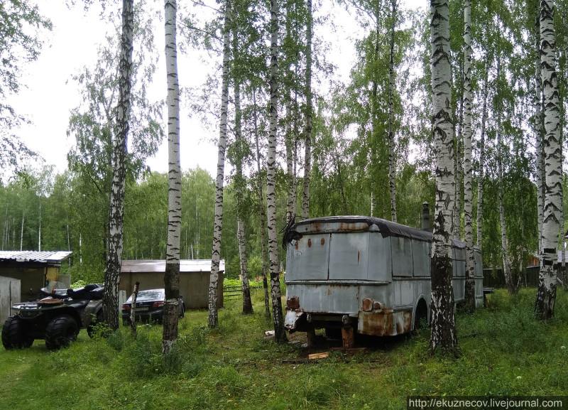 Раритетный троллейбус ЗиУ-5 в районе Шитовского озера