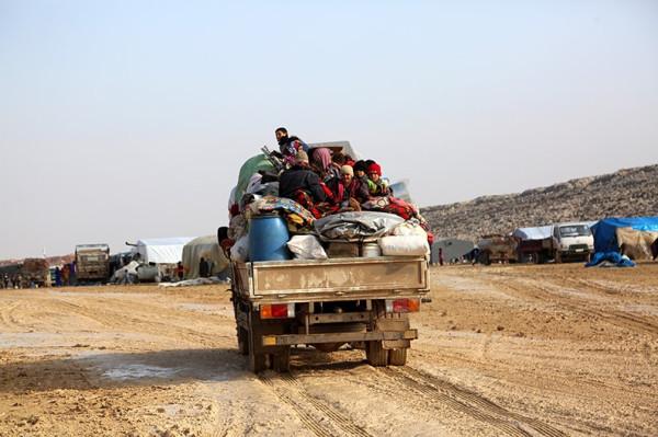 syria-refugees-idlib