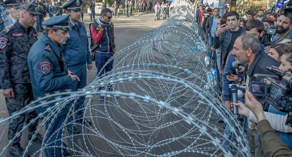 Protestyi-v-Armenii