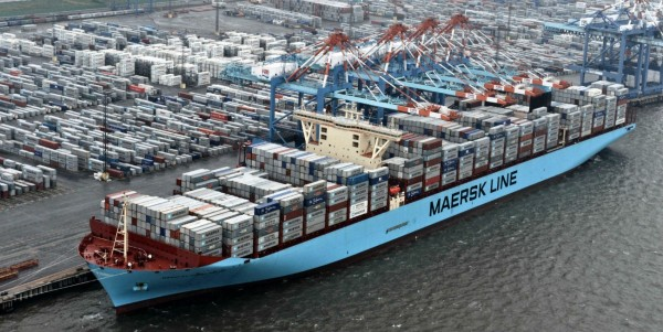 maersk-conatiner-ship-low