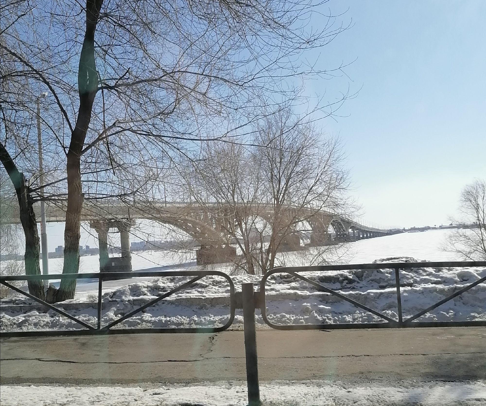 Саратовский мост из окна автомобиля