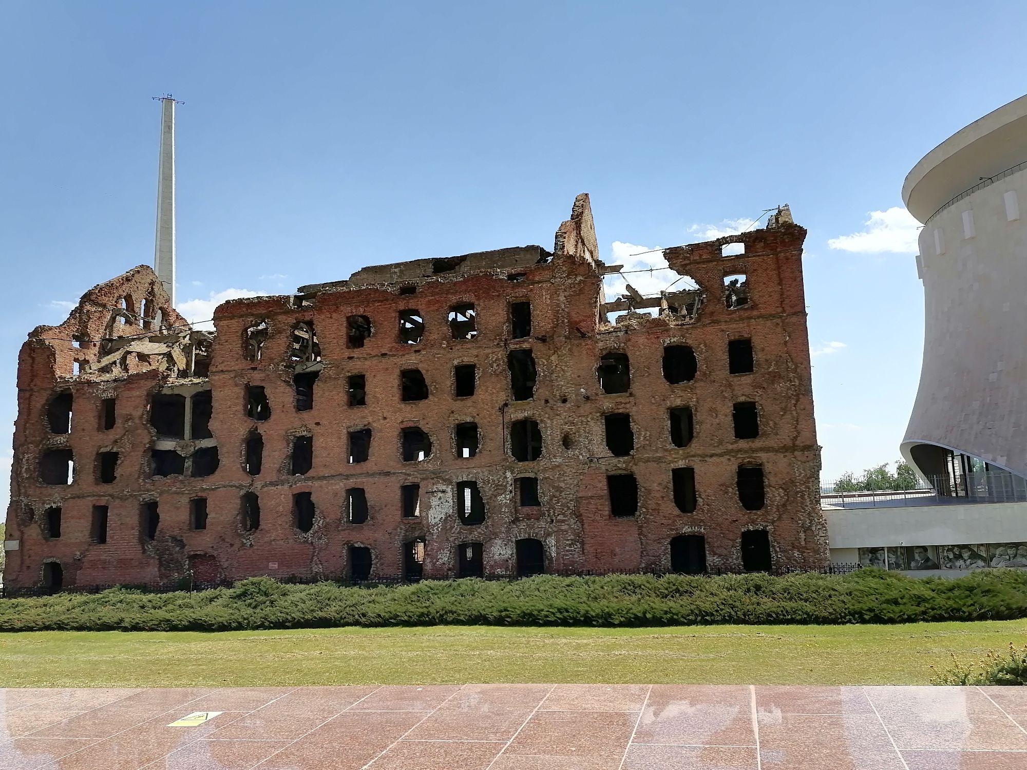 Мельница Гергардта разрушенное, но уцелевшее во время Сталинградской битвы здание