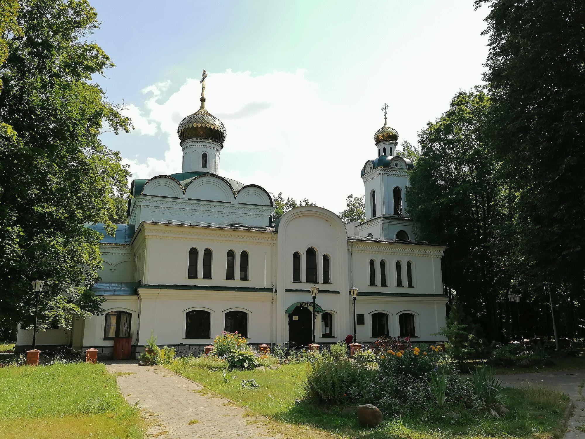 Церковь Петра и Павла в с. Карачарово(Тверская обл)