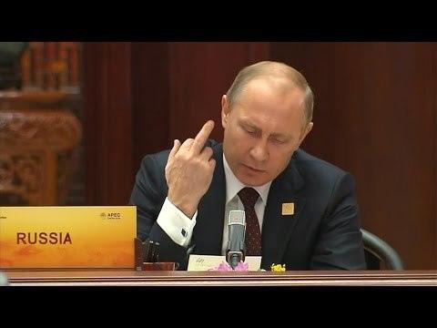 """Немного по вчерашнему саммиту, наблюдения и всё такое.- Техническая деталь - в составе делегации был Д.Козак, который у нас курирует Новороссию и всю укротему. Ну так вот, он не участвовал в переговорах. Т.е. до темы Украины настолько не добрались, что на очередном раунде (переговоры идут раундами, с небольшими перекурами) профильного спеца не пригласили.Это признак того, что Украина тупо не обсуждалась далее чего-то """"Давайте выполнять Минские - Ну давайте"""". Упоминание было, но не обсуждение с целью принятия каких-то решений.В итоге все дальнейшие рассказки про то, как сильно обсуждалась Украина, теряют смысл - она не была заявлена темой ни одной из частей события, и специально на случай, если Украину будут обсуждать, привезённые эксперты, не понадобились.Отсюда и ярость в хохлосегменте Интернета, отсюда и дикие довыдумывания про """"да он стопудово ему тайно каааааак сказанул"""" - если бы ну хоть что-то обсуждалось - именно обсуждалось, а не упоминалось - у этого обсуждения было бы обозначение, результаты и оценки с двух сторон. Этого нет.- Один из важных пунктов, про который как-то забыли с этим злоебучим хохлодискурсом, цель которого сымитировать про неепическую важность укротемы для мира в целом - это Китай. Вообще Байден ехал говорить про взаимодействие/противодействие Китаю, обозначать позиции и прикидывать пространство для движений. Т.е. можно ли будет ну хоть какие-то профиты получить от России в большой задаче сдерживания КНР по широкому фронту, что является неприемлемым, что обсуждаемым, а что можно будет попробовать поюзать втихую.Ну так вот, тема тоже отсутствует. Т.е. очередной замах американской дипломатии - """"ох как мы сейчас опять лохам втюхаем что мы их простим если они нам помогут, мы же белые люди, у нас больше общего чем различающегося"""" - закончился пшиком. США, ещё раз, реально ставили одной из целей получить какие-то дополнительные плюшки в противодействии Китаю. Этого не получилось, думаю наши просто не стали ничего обсуждать.- Занятно наблюдать за """