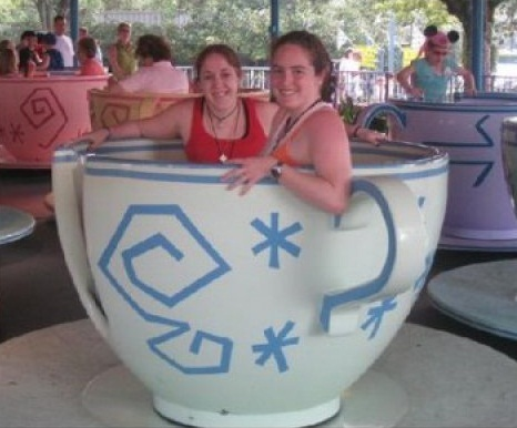 two-girls-one-teacup