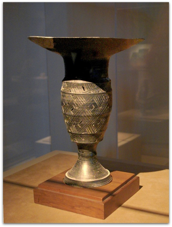 CMOC_Treasures_of_Ancient_China_exhibit_-_black_pottery_goblet