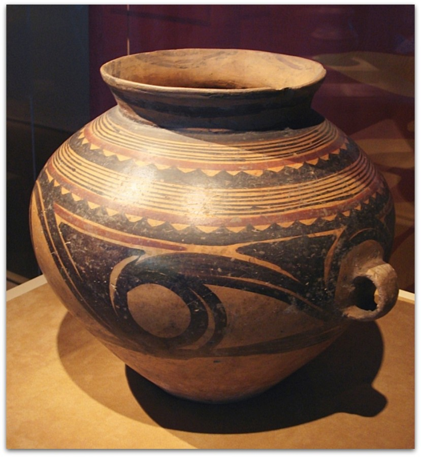 CMOC_Treasures_of_Ancient_China_exhibit_-_painted_jar