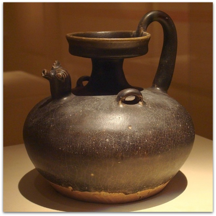 CMOC_Treasures_of_Ancient_China_exhibit_-_black_glazed_jug_with_rooster_head