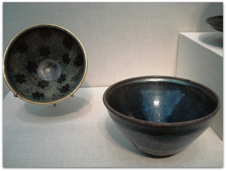 Stoneware_tea_bowls,_Song_Dynasty
