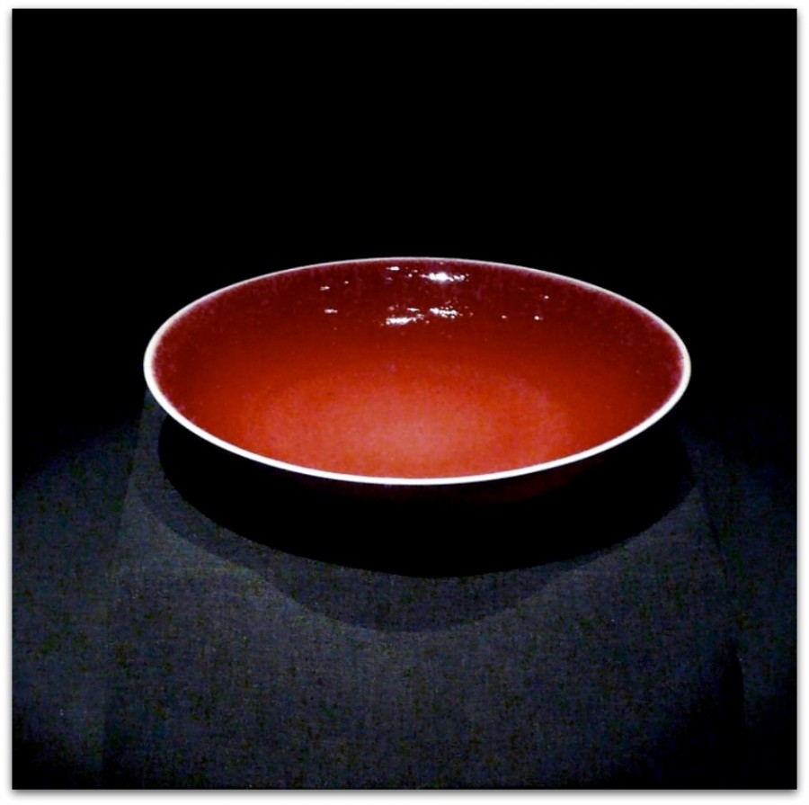 China_ceramics_red_plate