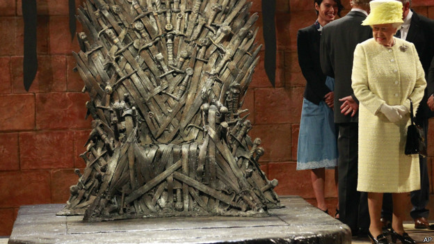 140624131851_queen_game_of_thrones_624x351_ap