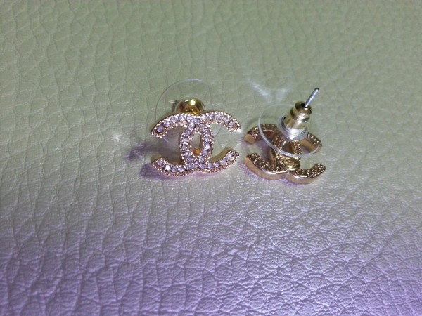 This Pair Of Earring Is Excellent Quality And It S A High Grade Replica