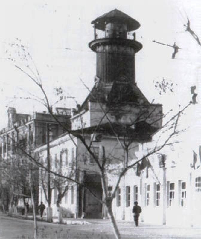 Каланча на набережной Кутума