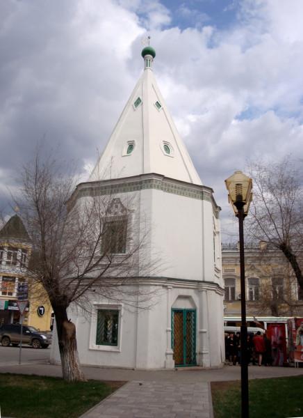 Башня Спасо-Преображенского монастыря на углу ул.Эспланадная и Коммунистическая