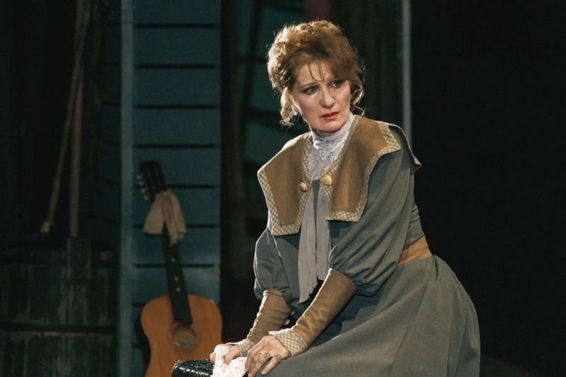 Фото с сайта театра. Софья в исполнении Натальи Курсевич.