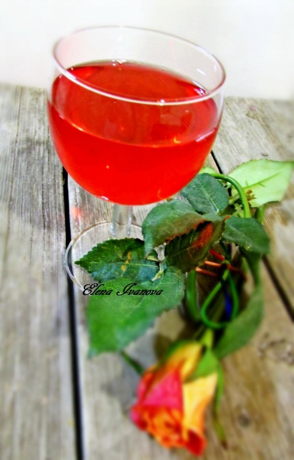 Наливка из летних ягод