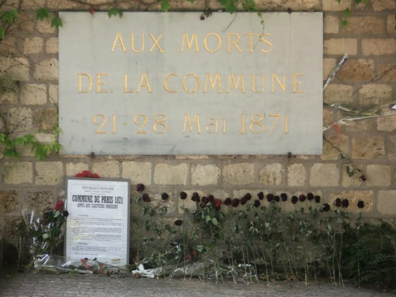 Cimetière_du_père_Lachaise_'Aux_morts_de_la_Commune'_21-28_mai_1871_