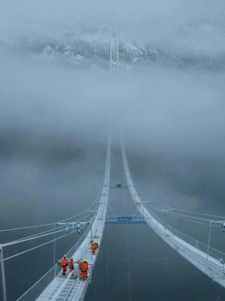 подвесной стеклянный мост
