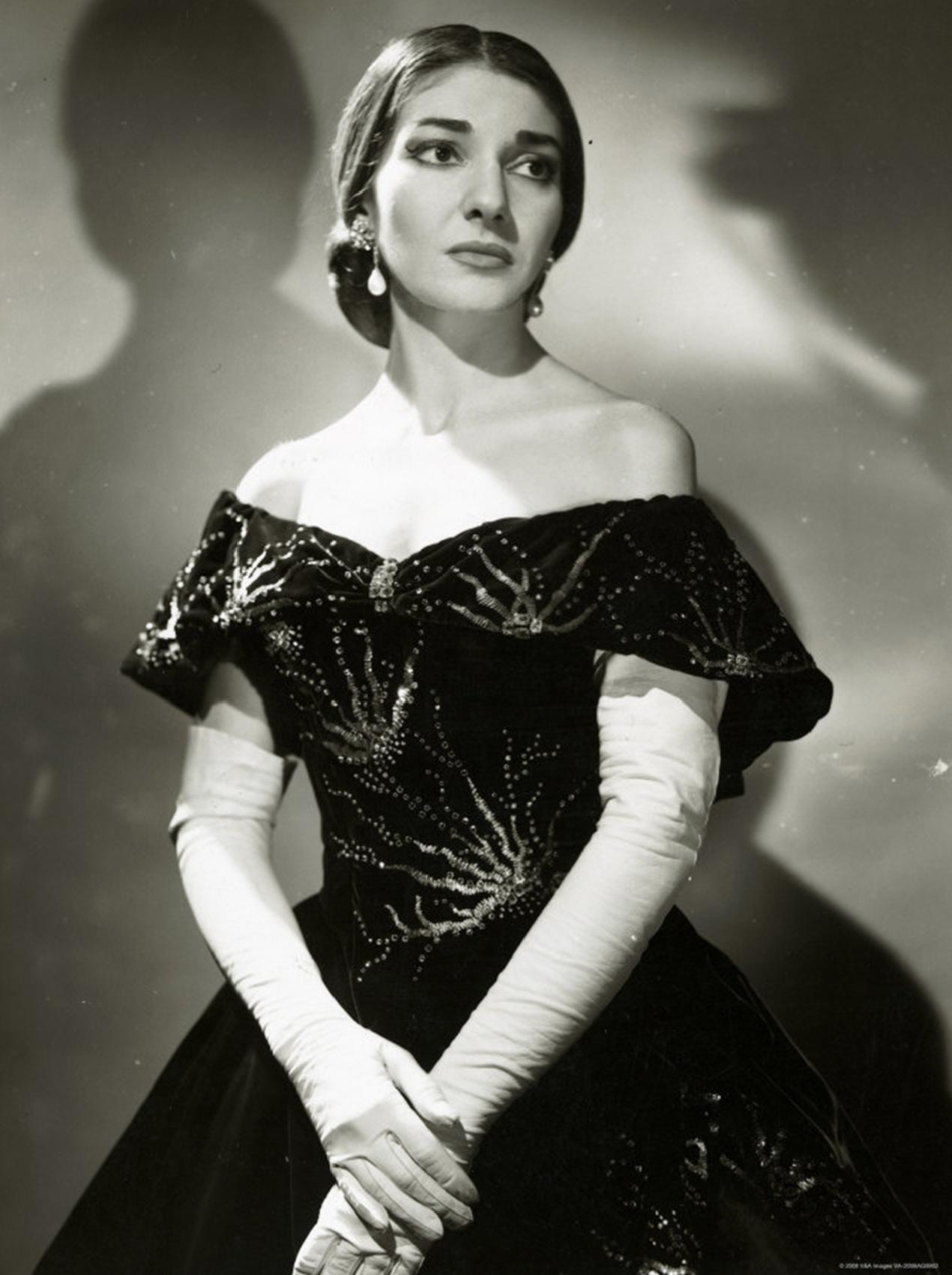 Maria_Callas_(La_Traviata)_2