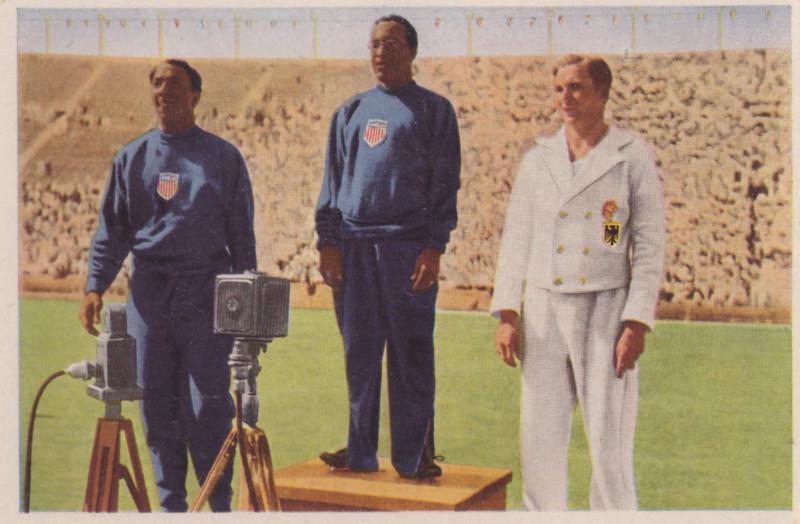 Американская почтовая карточка 1932 года. Церемония награждения участников бега на 100 метров
