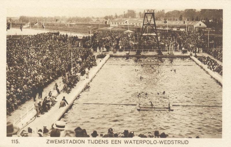 Соревнования по водному поло на почтовой открытке