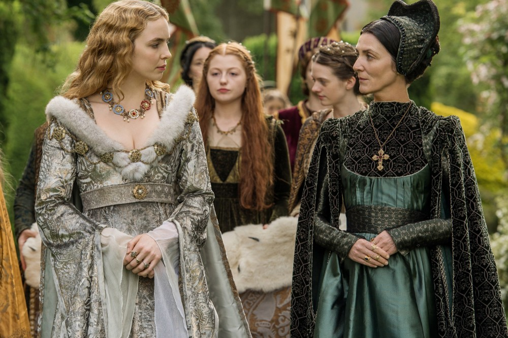jodie-comer-as-elizabeth-of-york-michelle-fairley-as-lady-margaret-beaufort