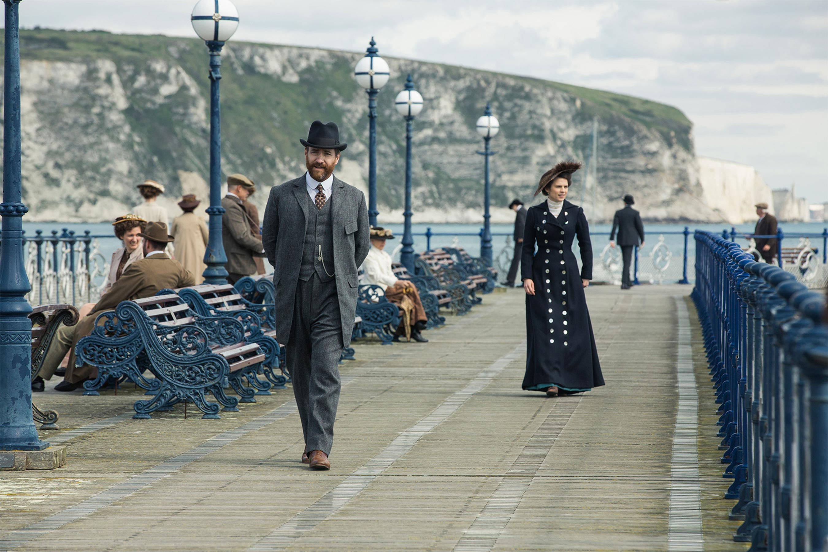 matthew-macfadyen-henry-wilcox-hayley-atwell-margaret-schlegel_howards-end